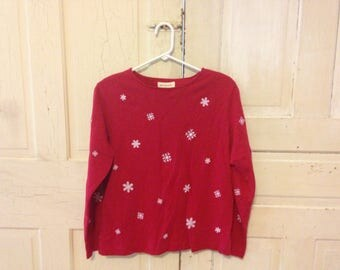 Simple Holiday Snowflake top - size M
