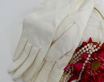 SUMMER SALE Vintage 1950's White Leather Gloves - Eros Italian buttery soft leather gloves - White Wedding Gloves