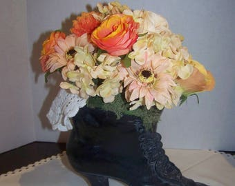 Vicorian bouquet in boot 10X12 in