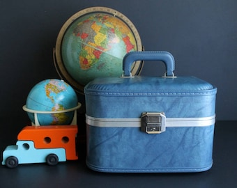 Vintage Train Case Light Blue Hard Sided Makeup Cosmetic Luggage with Mirror