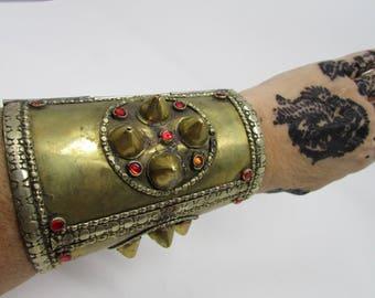 Le Style tribal romain poignets guerrier Hallowwen poignets