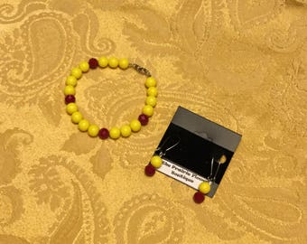 Groovy red and yellow beaded bracelet and earrings