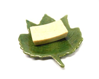 Leaf Spoon Rest Pottery Leaf Dish Pottery Maple Leaf Leaf Ring Dish Ceramic Soap Dish Pottery Soap Dish Maple Leaf in Green