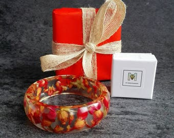 Wrapping Paper Red wrap Service Upgrade Special occasion nature jewelry, 100% recycled paper and burlap ribbon