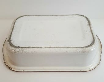 Vintage Enamel White Dish Pan with Red Trim / Retro Rectangle Enamelware / Rustic / Succulent Planter