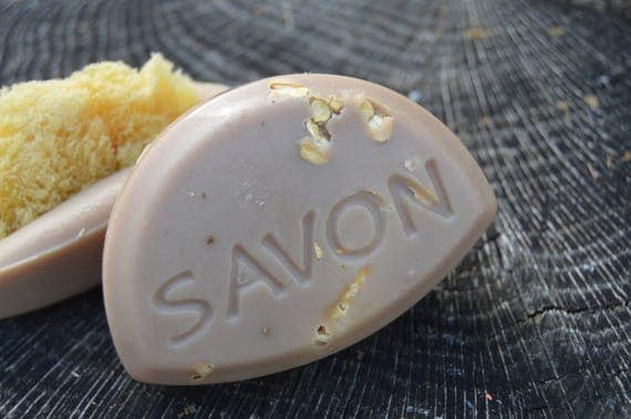 Sea Sponge Savon in Oat and honey