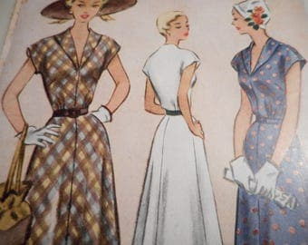 Vintage 1940's McCall 8118 Dress sewing Pattern Size 18 Bust 36