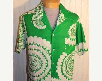 50% Off Sale Men's 70's Vintage Pomare' Hawaii Green  and White Graphic Hawaiian Shirt   L