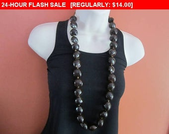Chunky nut bead necklace, vintage necklace, hippie