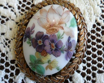 Large Vintage Colorful Flowers on White Milk Glass Pin Brooch 1950s Gold Tone Laurel Wreath Edge Purple Yellow Pink Floral Elegant & Pretty!