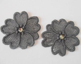 2 gray flowers lace 5.5 cm