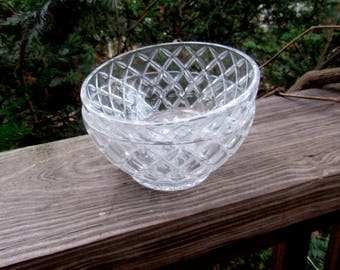 anchor hocking waterford? waffle cereal bowls (2)