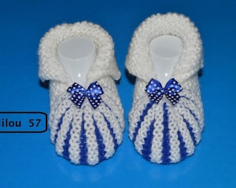 Booties style Dutch baby blue/white