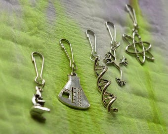 Biolojewelry - Set of 5 Science Theme Charms / Keychains