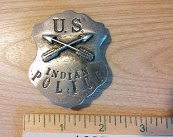 US Indian Police Twin Arrows with pin back
