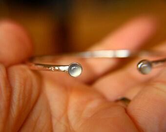 Moonstone Bracelet, Sterling Silver Bracelet, Moonstone Bracelet, Sterling Moonstone Jewelry, Moonstone Cuff Bracelet, Gray Moonstone, Gift