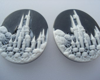 10 Resin Cameo Embellishments, 24mm Black & White Oval Castle Embellishments, Pack of 10, 20p Each!! C598