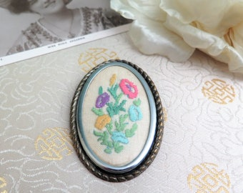 Vintage Embroidered Brooch - Vintage Embroidered Oval Brooch - Embroidered Flowers Brooch - Gift for Her - 1960s Brooch - Oval Silvertone