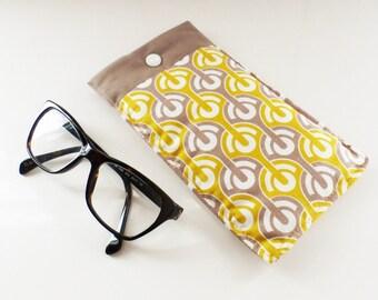 Fabric glasses case, padded Scandinavian pattern moles and yellow