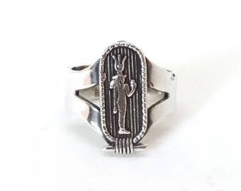 Antique Egyptian Ring Sterling Silver CLEOPATRA Etruscan Vintage Jewelry Size 8 Very Old Makers Marks