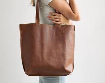 Brown Leather Tote, Personalized Bag, Full Grain Leather Tote Bag With Zipper, Leather Bag Handmade in Tel Aviv, Shoulder Bag, Leather Goods
