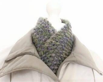 Chunky wool yarn scarf, ladies scarf, chunky knit scarf, fashionable scarf, mens neck scarf, homemade scarf, neck warmer scarf, winter scarf