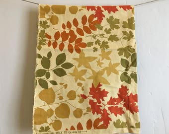 24 Inches of Autumn Themed Botanical Cotton Quilt Fabric, Quilt Fabric Remnant
