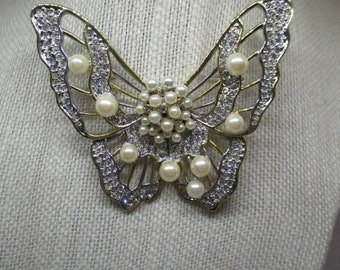 Nos Vintage Pearl Butterfly Brooch