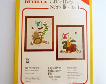 "Vintage Bucilla Crewel Embroidery Kit FIELD FRIENDS Bunny Rabbit and Mouse Set of 2 Pictures with Decorator Real Wood Frames 8"" x 10"""