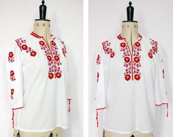 Vintage 1960s 70s cross stitch embroidered Hungarian Romanian blouse - Peasant blouse - Peasant top - Folk blouse - Gypsy blouse - Boho