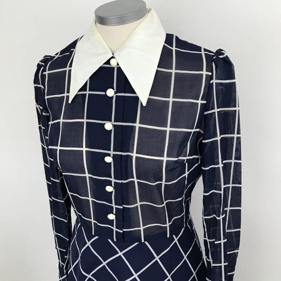 1970s dress Mod dress plaid navy white checkered print A line UK 10 St Michael scooter girl dagger collar 70s does 40s