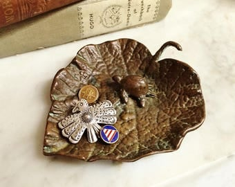 ViNTAGE BRONZE TURTLE on a LeaF TrINKET TrAY ASHTRAY, StAMPED SoLID BrONZE, JeweLRY TriNKET Pin TrAY, SmOKiNG AsHTRAY TobaCCiana CoLLectiBLE