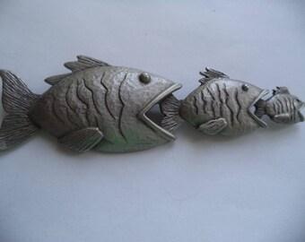 Vintage Signed JJ Silver pewter Fish eating Fish Brooch/Pin     Rare