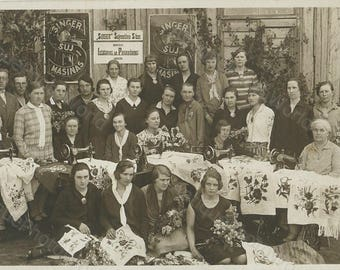Women w sewing machines embroidery class antique photo