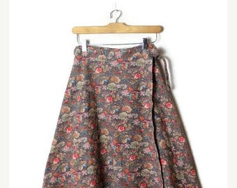 ON SALE Vintage Floral Cotton Flare wrap Skirt  from 1970's/W24-26*