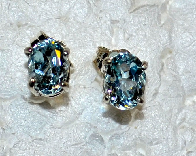 Aquamarine Studs, 7x5mm Oval, Natural, Set in Sterling Silver E1131