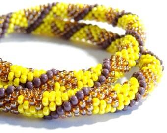 Spiral crochet (029) beaded necklace
