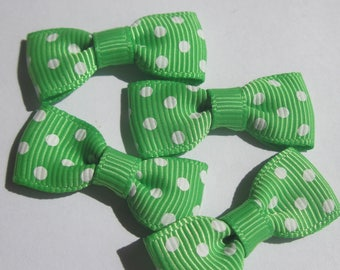 set of 4 bows in green color fabric with dots-33 mm (A28)