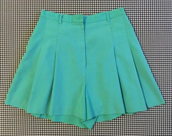 1980's, high waist, pleated, flare shorts, in aqua, Women's size Medium
