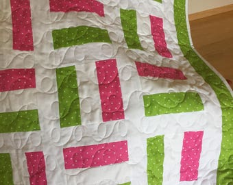 Beautiful off the rails design in pink and lime green lime green and pink polka dot. All hand pieced and Machine quilted by me. An heirloom