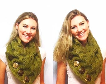 PATTERN: Waves of Cables Button Cowl Knitting Pattern, Chunky Cable Knit Scarf Knit Pattern, Chunky Button Cowl Cowl, Wavy Oversize Scarf