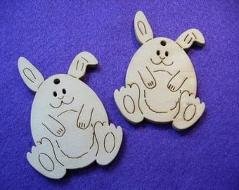 2 Easter bunnies, wood, 8 x 5.5 cm (07-0015A)