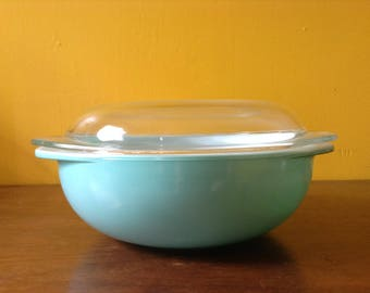 Pyrex Turquoise 024 Round Casserole