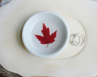 Fall Maple Leaf Ring Dish, Small Jewelry Organizer, Ring Dish, Jewelry Holder, Trinket Tray, Naturalist Gift, Small Organizer