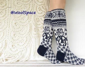 USwmn:8-8.5 /EU39-40Handknit  knee wool socks soft thick warm women long wool socks warm white snowflakes winter fashion No291