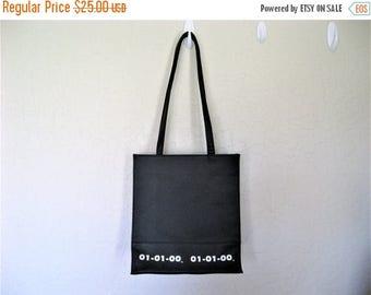 25% off SALE 00s Millennium Black & Silver Shoulder Bag