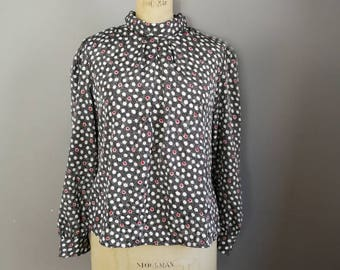 80s spotty blouse // buttonless blouse // black white red dotty silky top // high neck draped blouse top // vintage workwear // 1980s blouse