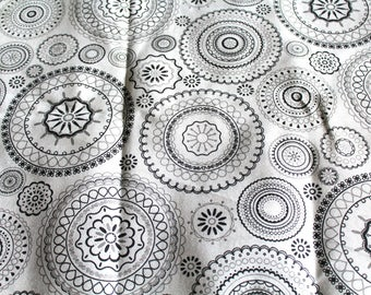 Coupon fabric upholstery black and white 70 x 50 cm