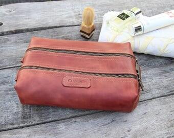 Waxed Leather men's toiletry bag /Cognac leather dopp Kit/Men's shaving bag/Groomsman Gift/Toiletry Kit /Wedding Gift /Free  Personalization