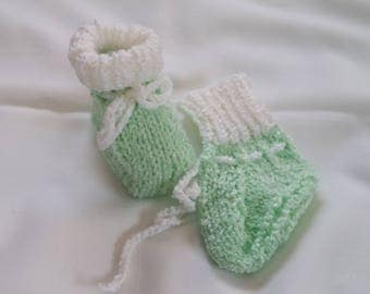 """Hand Made Knitted Baby Booties Sparkle Mint Green with White Fold Down Cuff 4""""  Free Shipping Canada/USA *126"""